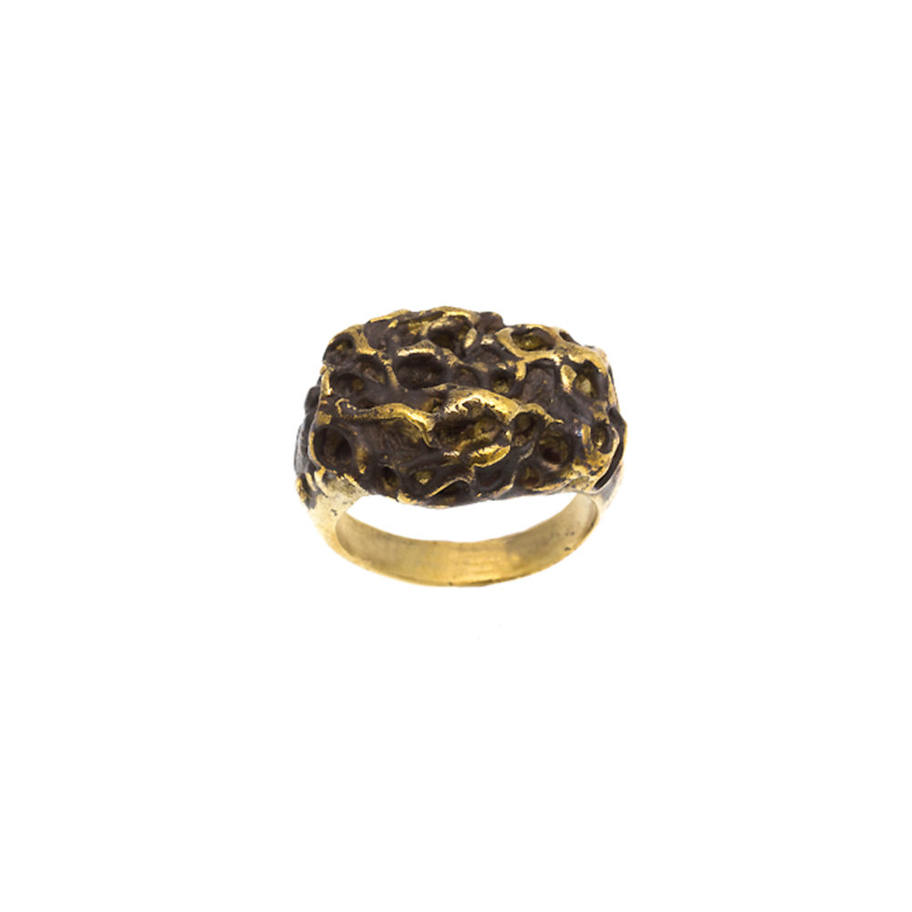Doctum Doces Collection honeycomb-ring-2-brass-top-view