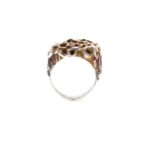 Doctum Doces Collection honeycomb-ring-2-silver-front-view