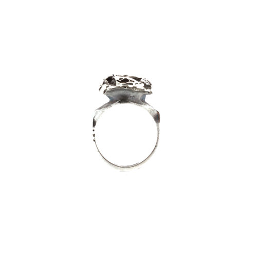 Doctum Doces Collection knot-ring-silver-front-view