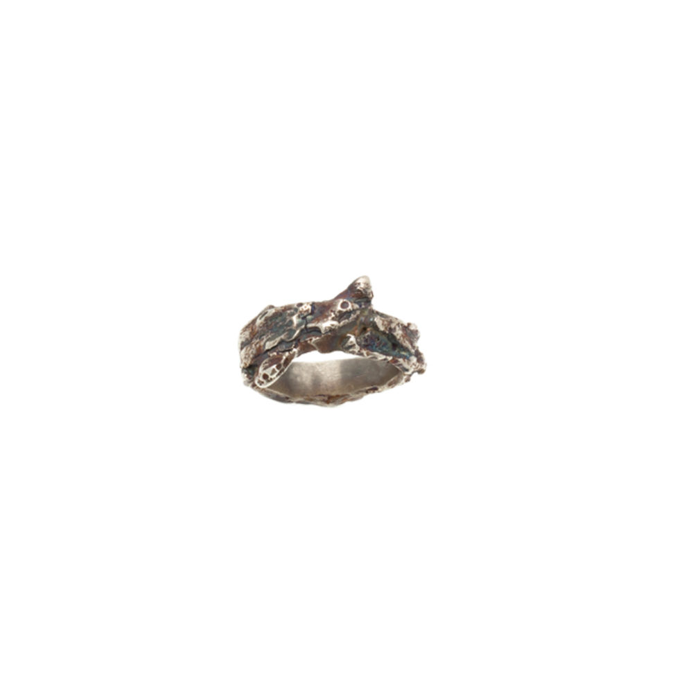 Doctum Doces Collection bark-2-silver- ring-top-view